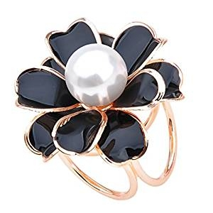 Anillo de perlas con forma de flor