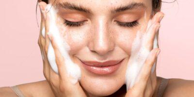 Cómo cuidar la piel de la cara por dentro y por fuera