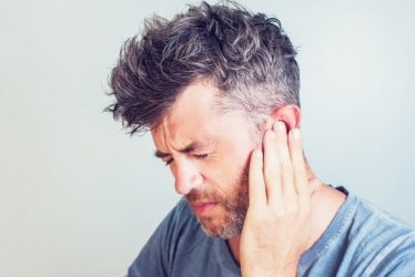 Cómo los audífonos ayudan a aliviar el tinnitus