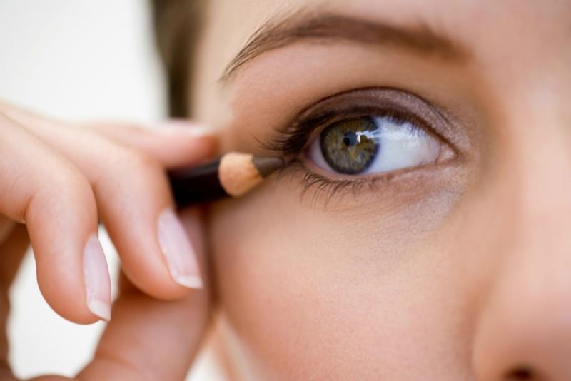 Cómo elegir el mejor lápiz de ojos