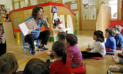 Batas de maestra infantil