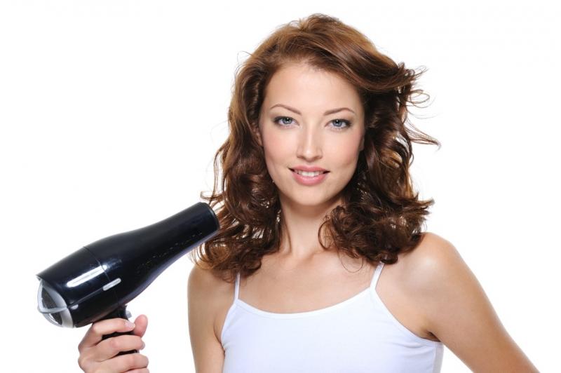 Cómo secar tu pelo con un secador profesional